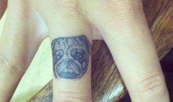 finger-pug-tattoo-on-anouschka-chappell