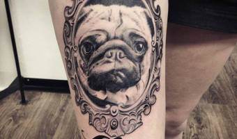 leg-pug-tattoo-of-harrythedowniepug
