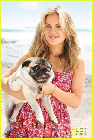 anna-paquin-with-pug